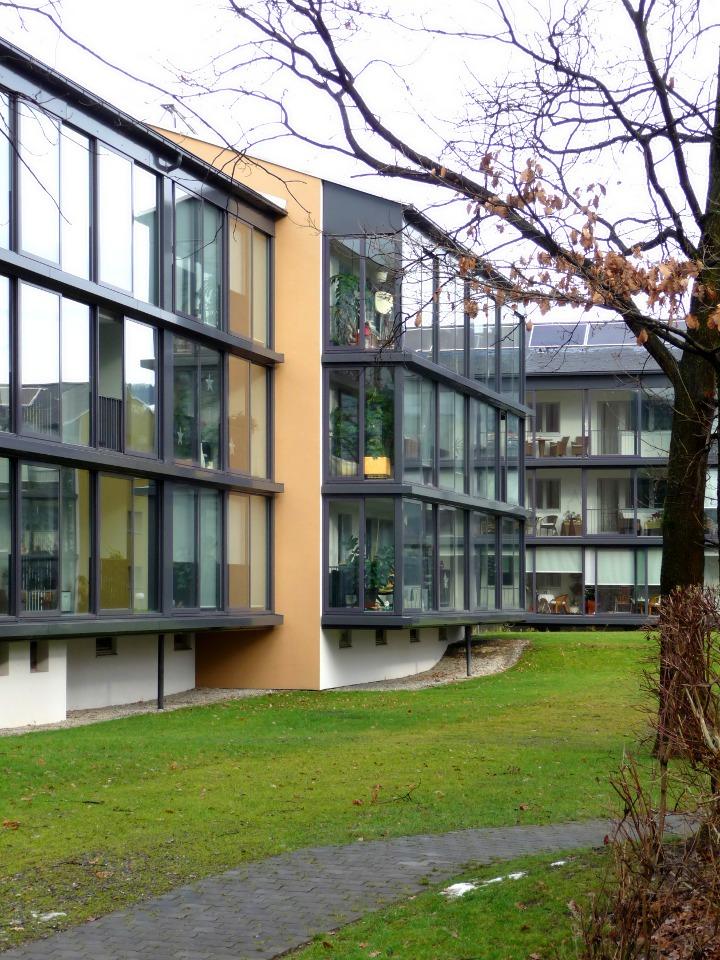 Une maison passive nice l europe consacre l habitat passif et l impose au - Maison passive renovation ...